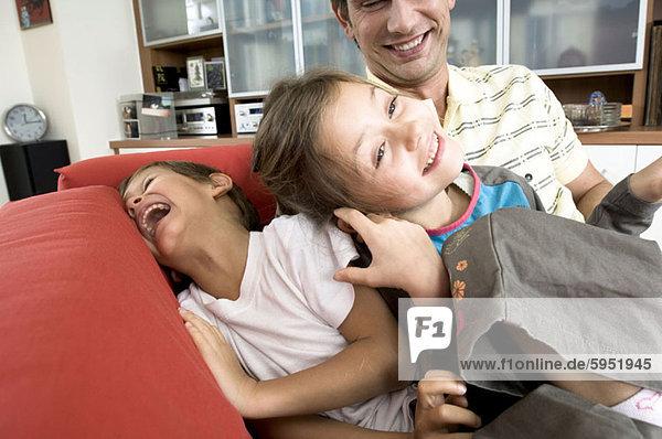 lächeln  Menschlicher Vater  Sohn  Close-up  close-ups  close up  close ups  Tochter