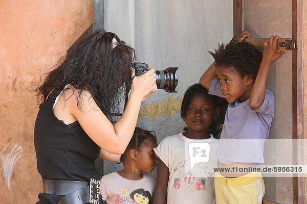 Fotograf in Afrika  Lome  Togo  Westafrika  Afrika