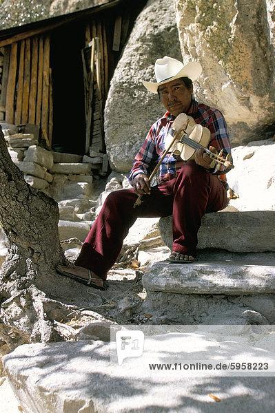 Tarahumara Musiker  Mexiko  Nordamerika