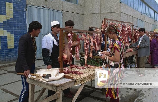 Fleisch-Stände in den Basar  Bukhara  Uzbekistan  Zentral-Asien  Asien