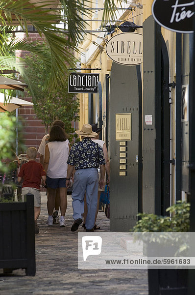 Shopping  Charlotte Amalie  St. Thomas  United States Virgin Islands  West Indies  Caribbean  Central America