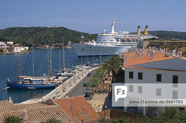 Cruise ship entering harbour  Mahon  Minorca  Balearic Islands  Spain  Mediterranean  Europe