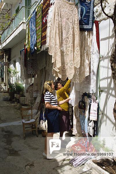 Einkaufen in Kritsa  nahe Agio Nikolas  Kreta  griechische Inseln  Griechenland  Europa Tourist