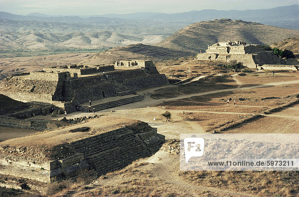 The Great Plaza looking northwest  Monte Alban  UNESCO World Heritage Site  Mexico  North America