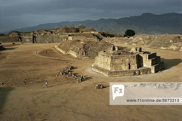 The Great Plaza with observatory  Monte Alban  UNESCO World Heritage Site  Mexico  North America