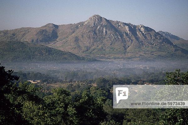 Blick über das Zomba Plateau  Malawi  Afrika