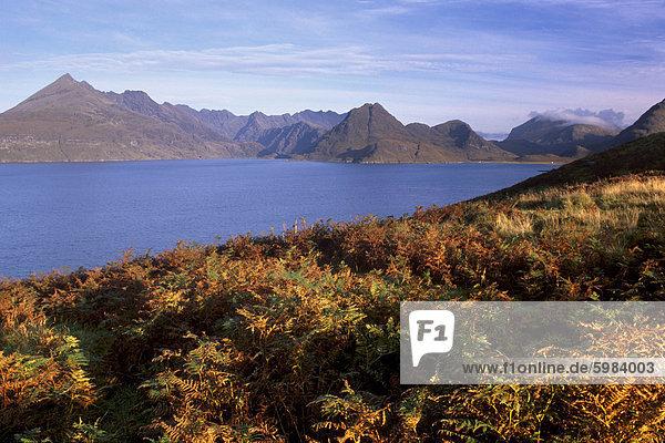 Loch Scavaig  und Black Cuillins Distanz  Isle Of Skye  Innere Hebriden  Schottland  Vereinigtes Königreich  Europa