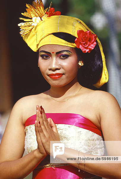 Portraits of a young woman in traditional dance costume  Bali  Indonesia  Southeast Asia  Asia