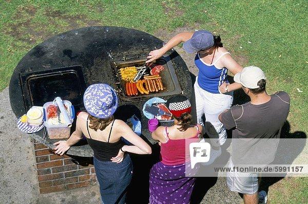 Barbecue am Tamarama  südlich von Bondi in den östlichen Vororten  Sydney  New South Wales  Australien  Pazifik