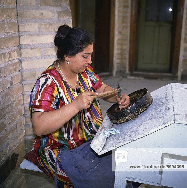 Usbekische Frau Stich Kupfer in Buchara (Usbekistan)  Zentral-Asien  Asien