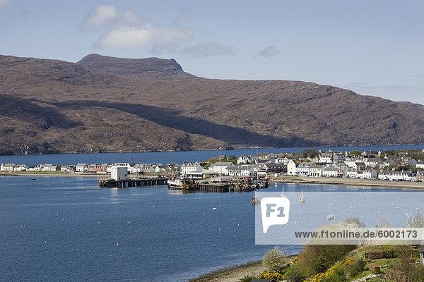 Blick in den Hafen  Loch Broom  Ullapool  Wester Ross  Ross und Cromarty  Northern Highlands  Schottland  Vereinigtes Königreich  Europa