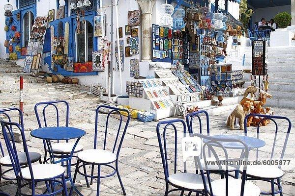 Cafe und Souvenir-Geschäft  Sidi Bou Said  Tunesien  Nordafrika  Afrika