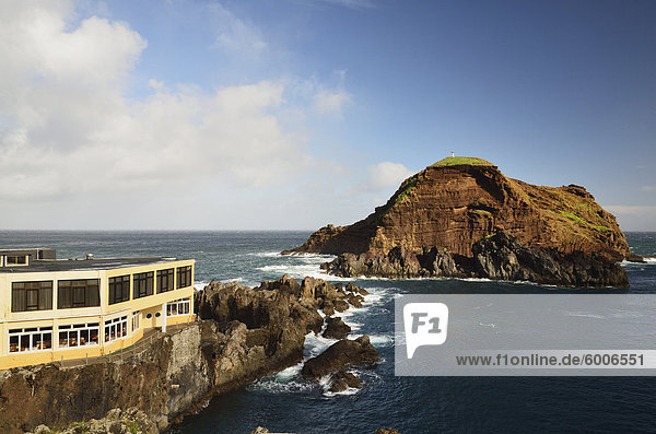 Küste bei Porto Moniz und Ilhéu Mole  Madeira  Portugal  Atlantik  Europa