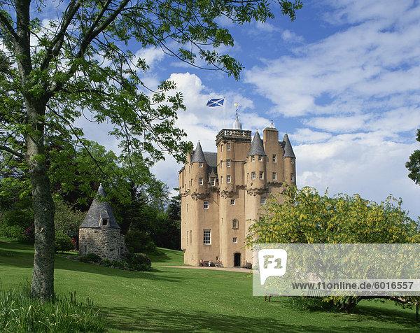 Craigievar Castle  Highlands  Scotland  United Kingdom  Europe