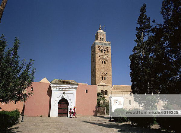 Koutoubia minaret and mosque  Marrakech  Morocco  North Africa  Africa