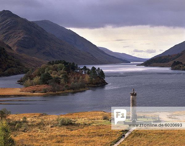 Loch Shiel und Glenfinnan Denkmal  Argyll  Hochlandregion  Schottland  Vereinigtes Königreich  Europa