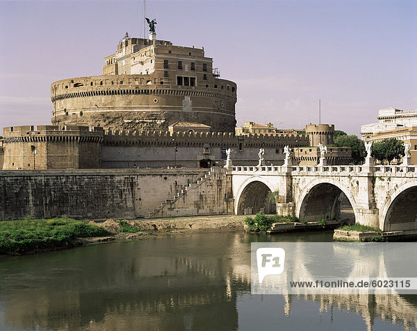 Castel San Angelo und Fluss Tiber  Rom  Latium  Italien  Europa