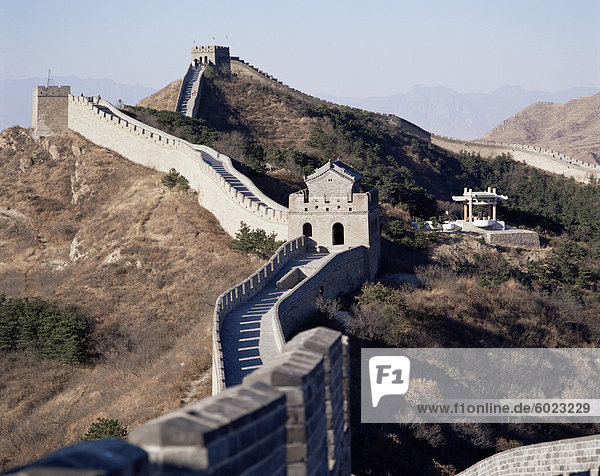 Die chinesische Mauer  UNESCO-Weltkulturerbe  in der Nähe von Peking  China  Asien