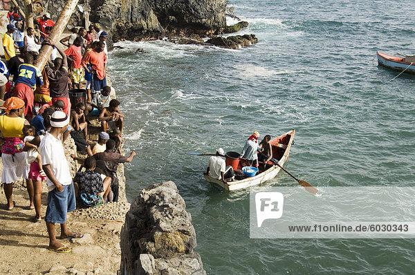 Fischer bei Pedra Badejo  Santiago  Kapverdische Inseln  Afrika