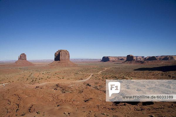 Denkmal Valley Navajo Tribal Park  Utah Arizona Grenze  Vereinigte Staaten von Amerika  Nordamerika