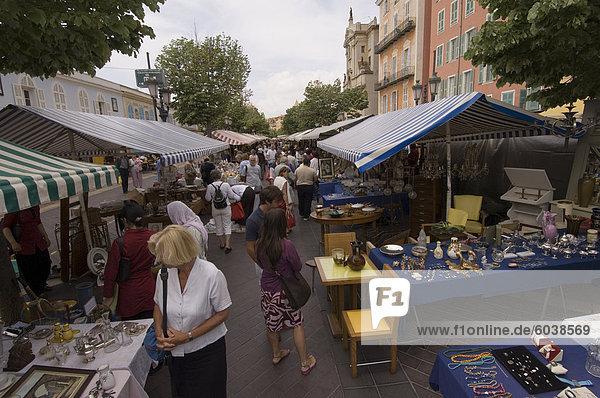Marche à la Broquante  Cours Saleya  Nizza  Alpes Maritimes  Provence  Cote d ' Azur  Côte d ' Azur  Frankreich  Europa