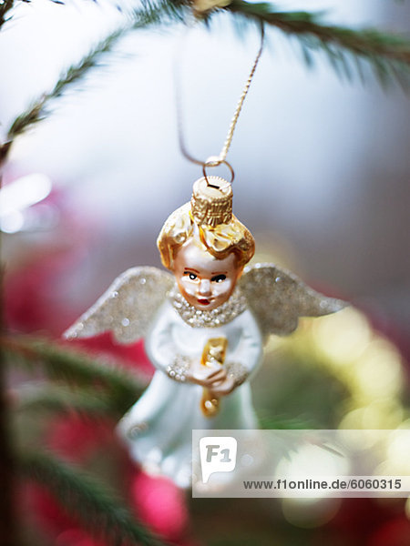 Angel geformte Weihnachtskugel  close-up