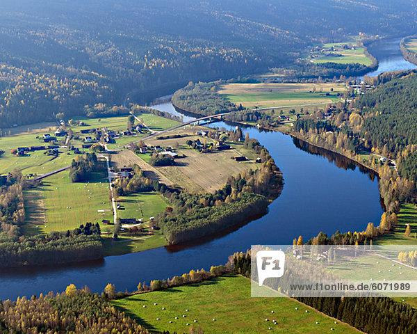Fluss Feld Ansicht Luftbild Fernsehantenne