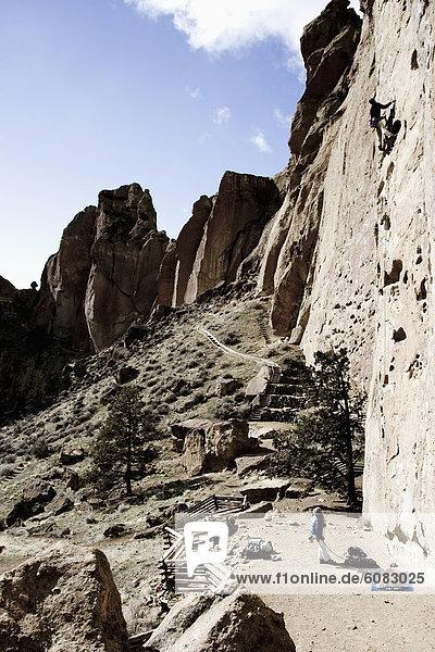 Felsbrocken  arbeiten  Klettern  Richtung  Sicherungsmann