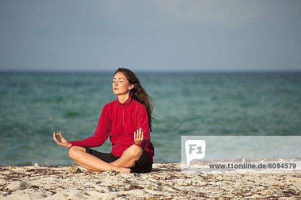 Frau  Meditation  Everglades Nationalpark  Florida