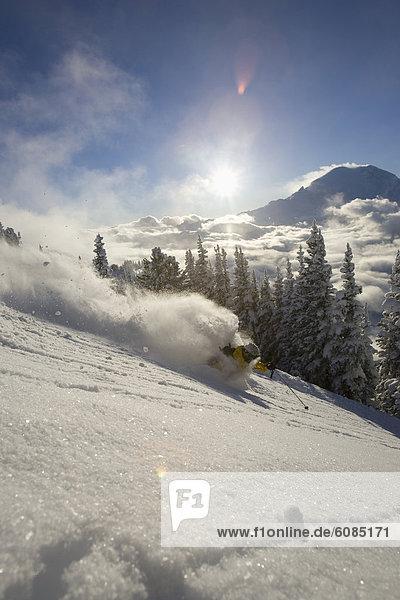 Skifahrer  Sonnenuntergang  Gesichtspuder  tief