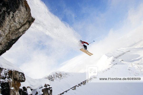 Skifahrer  Steilküste  Skisport  springen  Wyoming