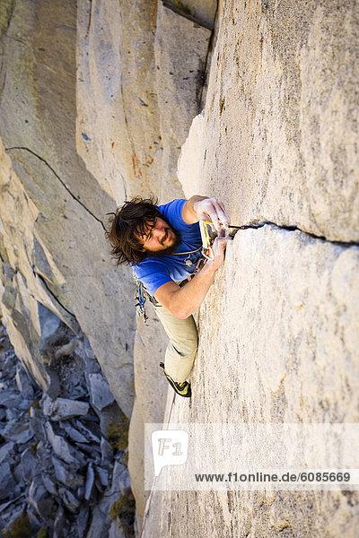 Felsbrocken  Außenaufnahme  5  Klettern  Kalifornien  Schlucht