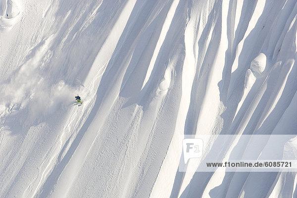 Ski  Skifahrer  absteigen  groß  großes  großer  große  großen  Alaska  neu