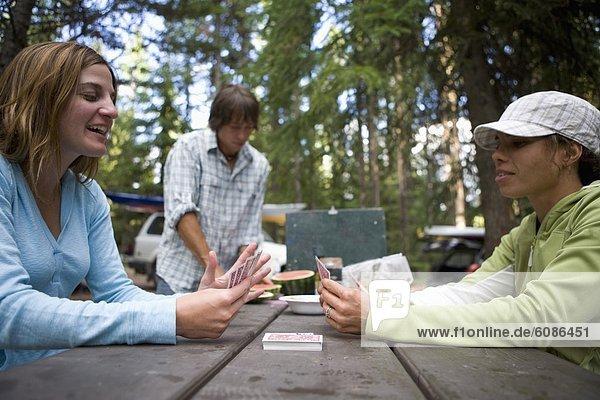 Nationalpark  Mensch  Menschen  Menschengruppe  Menschengruppen  Gruppe  Gruppen  camping  Karte  3  spielen