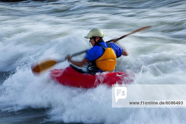 Fluss  Kajakfahrer  Wildwasser  Schlacht  Gabel