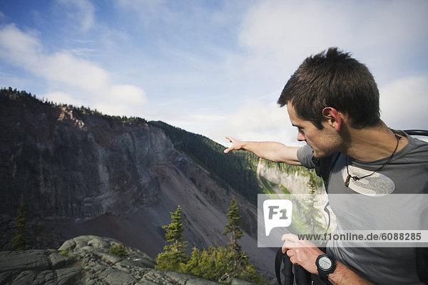 nahe  Mann  Chance  Gefahr  Steilküste  Absperrung  Vulkan  Squamish  erklären  unstabil  British Columbia  Erdrutsch