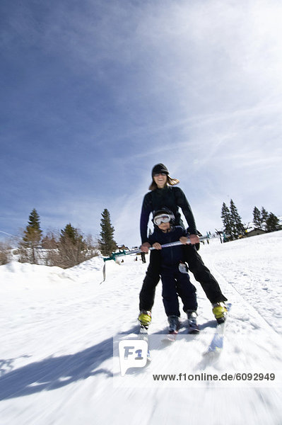 Frau  unterrichten  Ruhe  Ski  jung  Neffe  Kalifornien