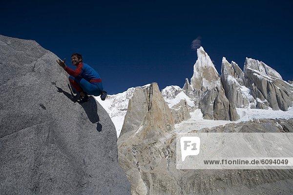 Berg  Mann  frontal  Klettern