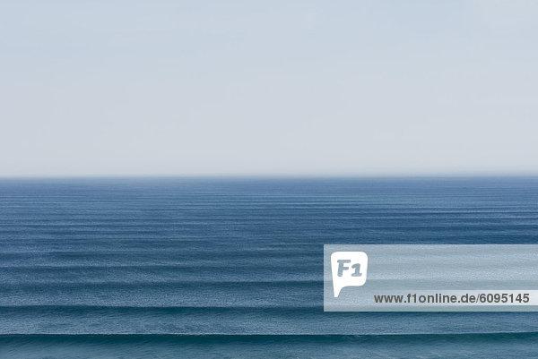 Portugal  Algarve  Sagres  Blick auf den Atlantik mit Wellen