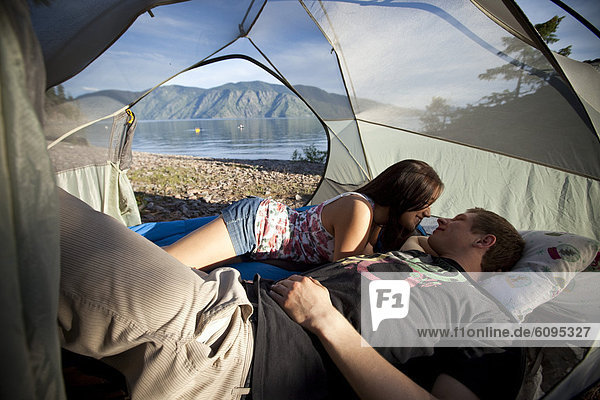 sprechen  See  camping  Zelt  jung  Idaho