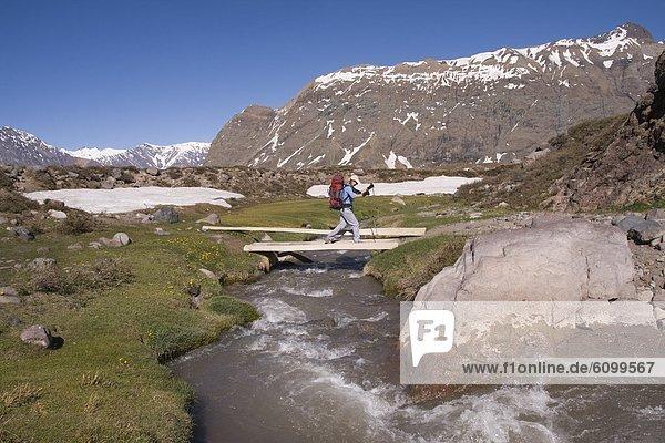 nahe  überqueren  Frau  Brücke  Chile
