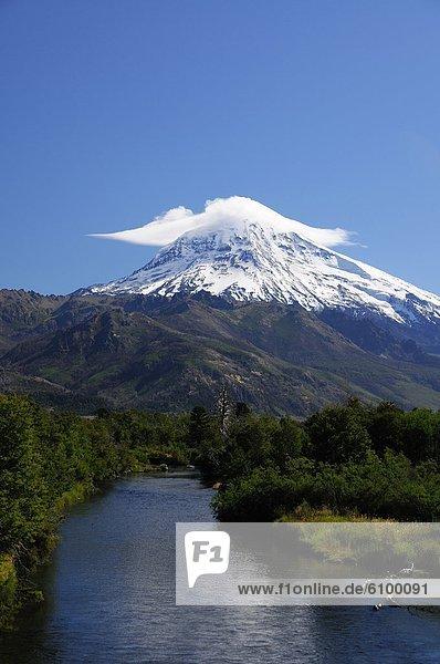 Schneedecke  Vulkan  Argentinien  Patagonien