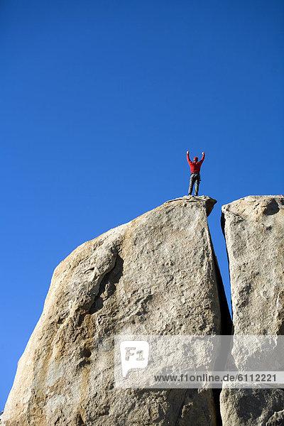 Felsbrocken  hoch  oben  Klettern
