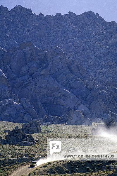 Berg  fahren  Wüste  Geländewagen