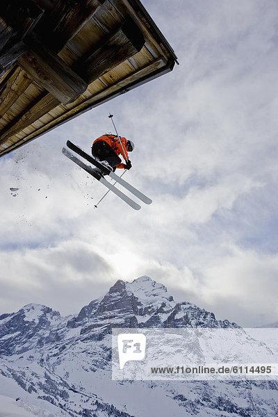 Dach , Hütte , Mann , Ski , Berg , jung , Schweiz