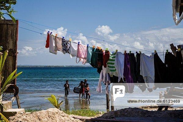 trocknen  Ozean  waten  Fokus auf den Vordergrund  Fokus auf dem Vordergrund  Wäsche  Panama