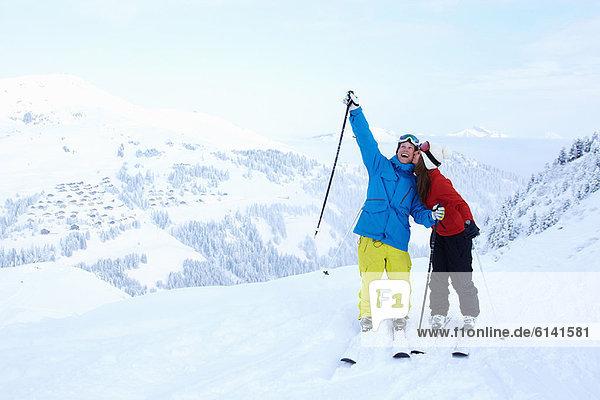 Berggipfel  Gipfel  Spitze  Spitzen  Fest  festlich  Schnee  Ski