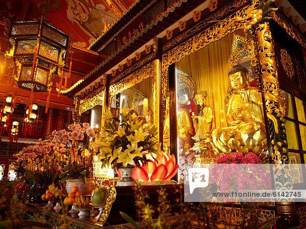 Klostertempel Po lin  Insel Lantau  Hong Kong  Porzellan