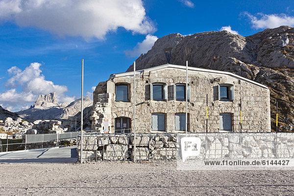 Passo di Falzarego  Kriegsmuseum  Dolomiten  Italien  Europa