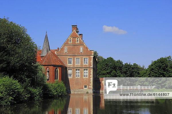 Burg Hülshoff oder Wasserburg Hülshoff  Geburtshaus der Dichterin Annette von Droste-Hülshoff  Havixbeck  Münsterland  Nordrhein-Westfalen  Deutschland  Europa